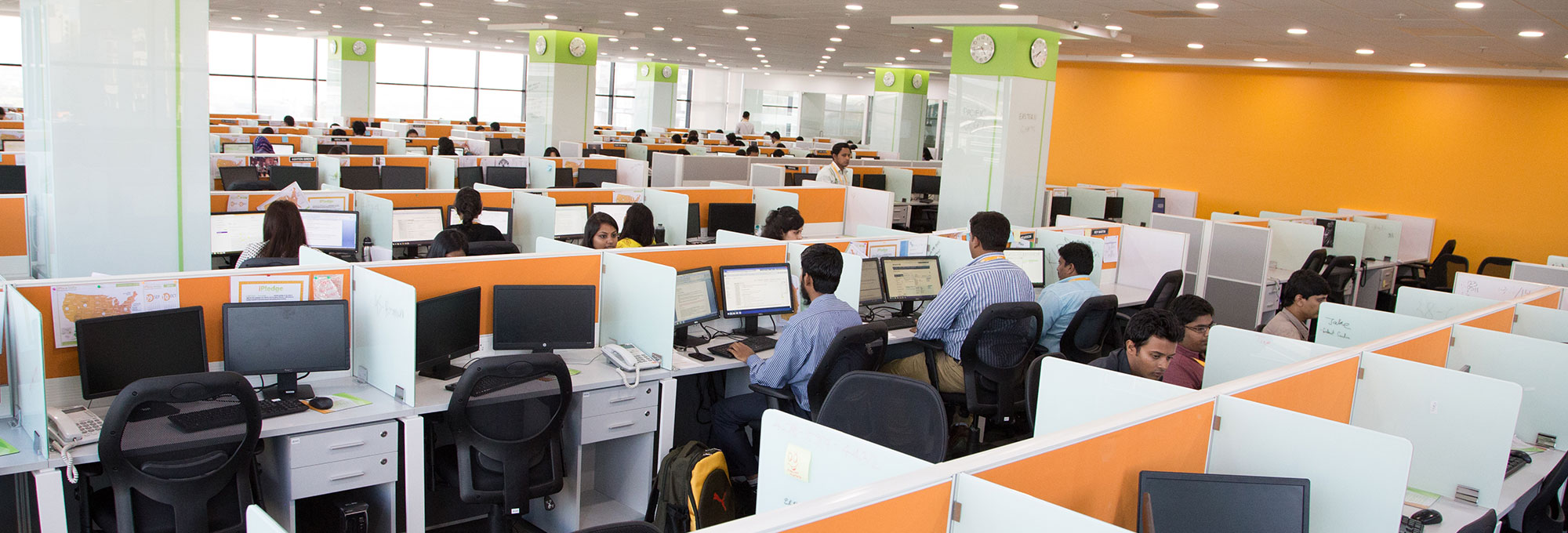 iPlace India Offices designed by Jeanne Heydecker - ibuildcompanies.com